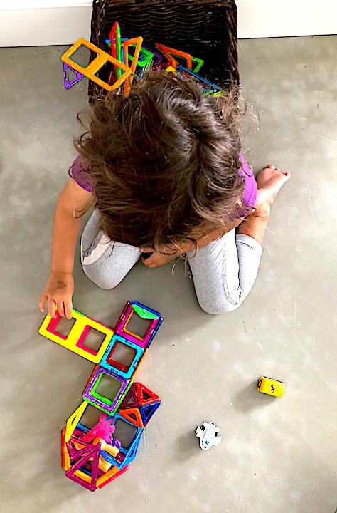Magformers - Best STEM toy for children of all ages #Magformers #STEM #STEMToys #BestToy #AwardWinning